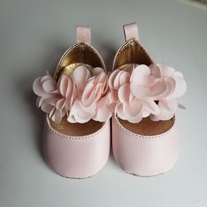 Baby girl shoes Sz 0-3M